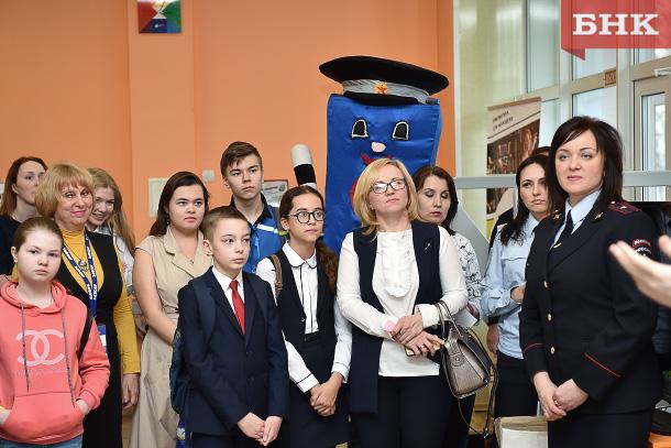 Юные инспекторы движения Сыктывкара узнают об основах журналистики в пресс-центре